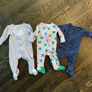 Girls 6M zip-up footies from Carters (3 pack)